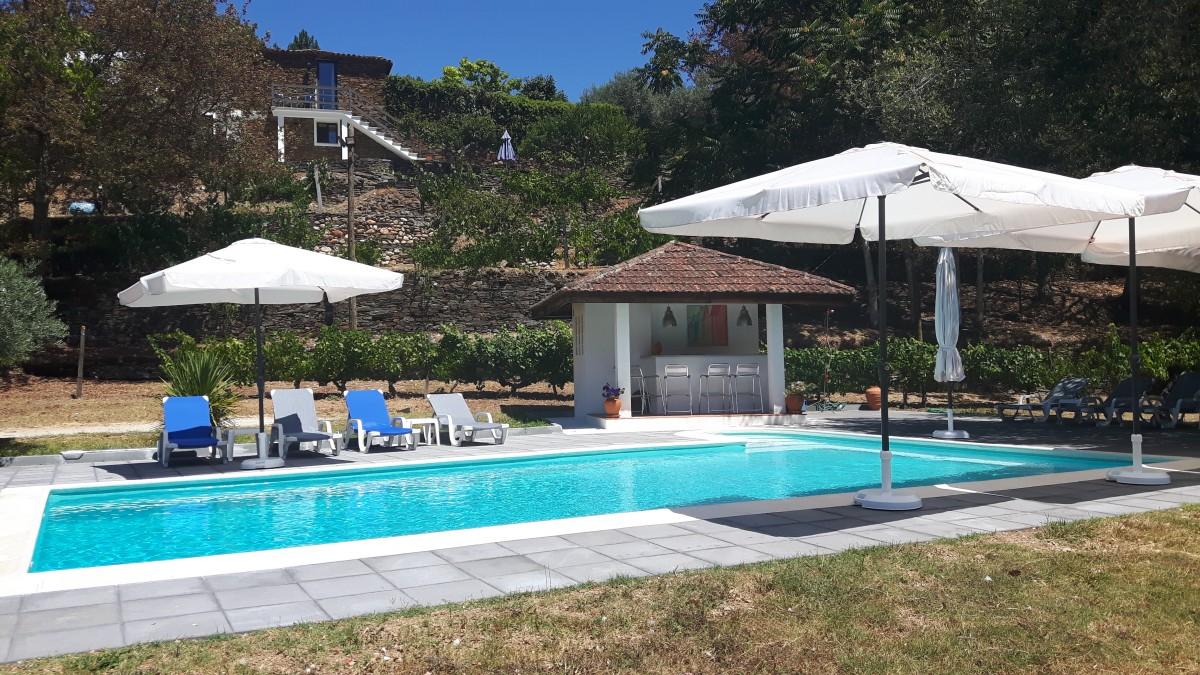 Heerlijke villa met ruim privé-zwembad en gastenverblijf op eigen quinta header afbeelding
