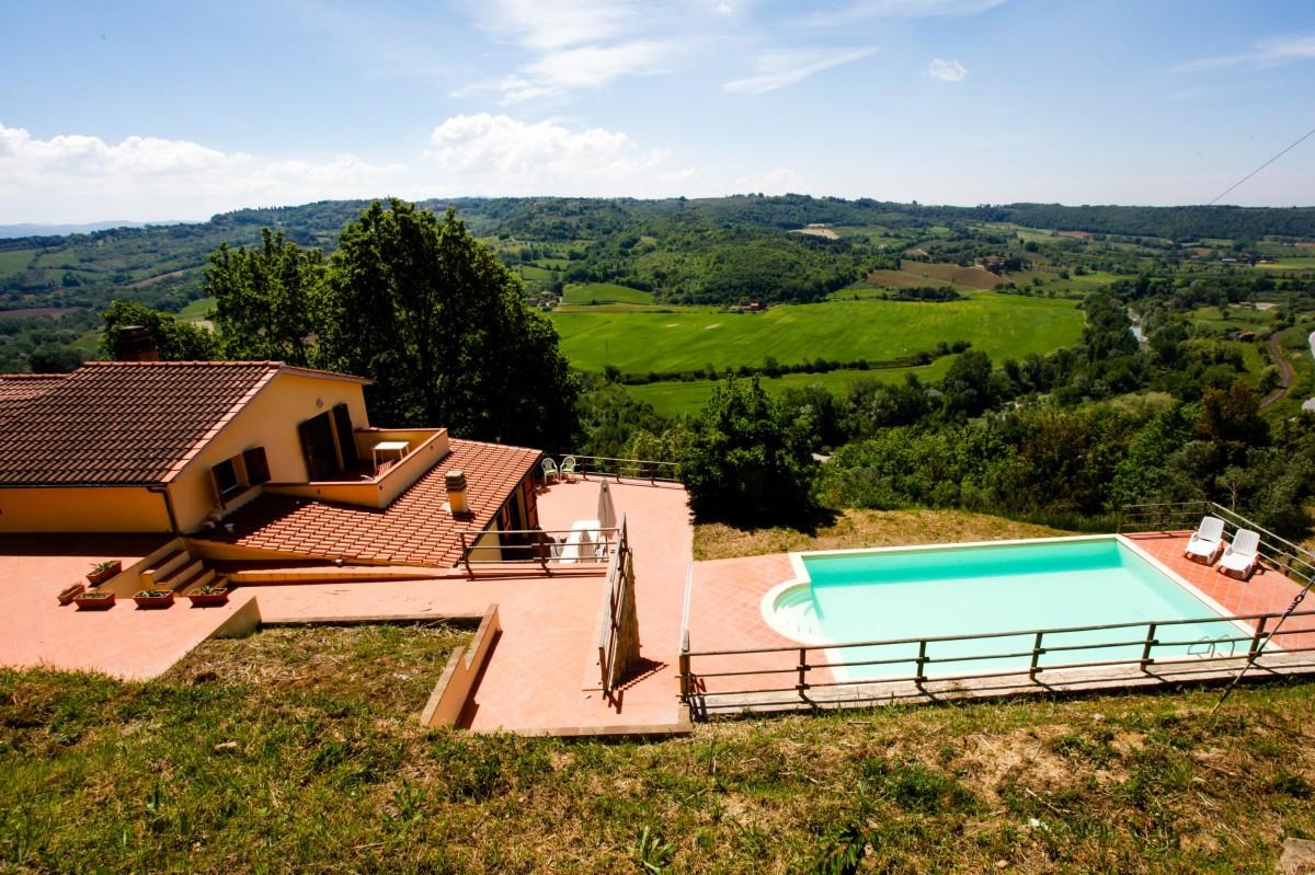 Toscane Vakantiehuis - op 15 minuten van de middellandse zee voor een heerlijke Toscane vakantie header afbeelding