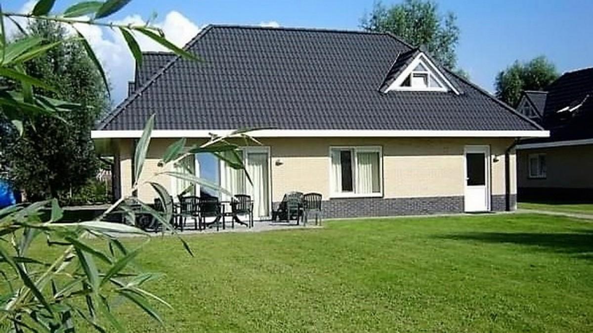 Sfeervolle vrijstaande villa voor max. 12 personen, centraal in Nederland header afbeelding