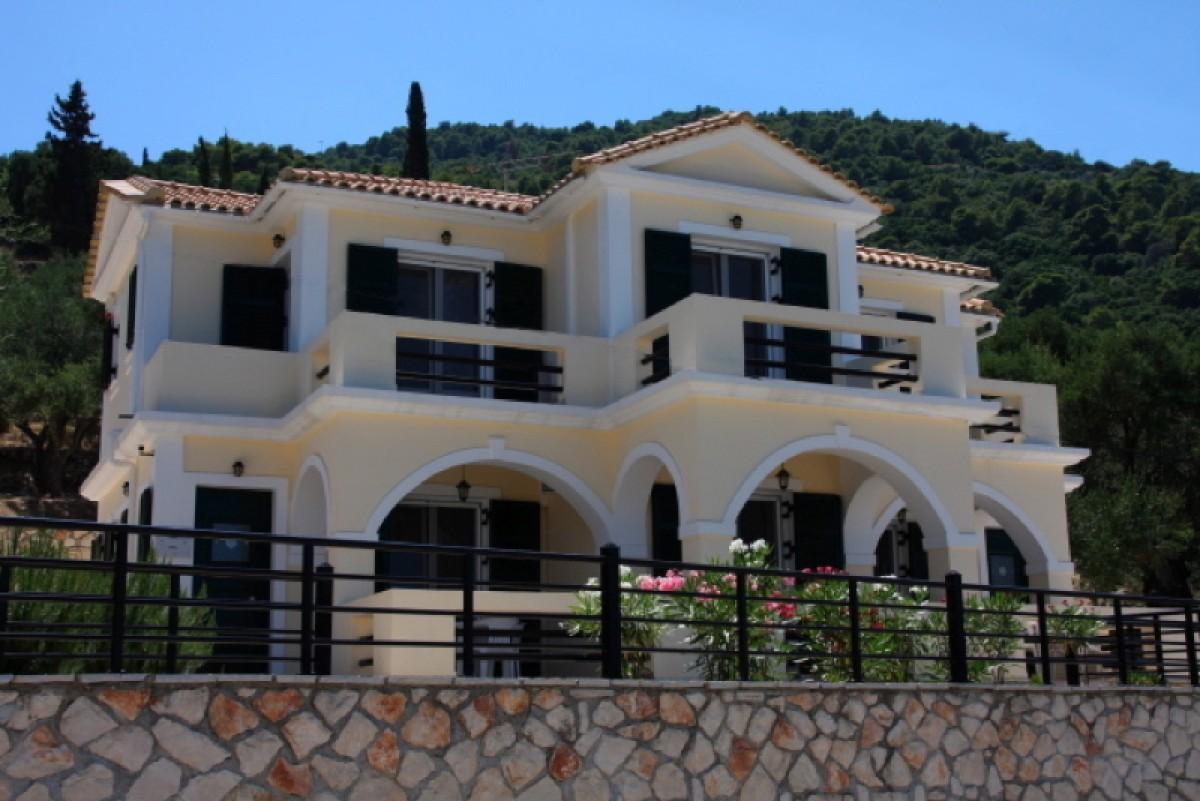 Ruime, luxe 6-persoons vakantiewoning met uitzicht over zee header afbeelding
