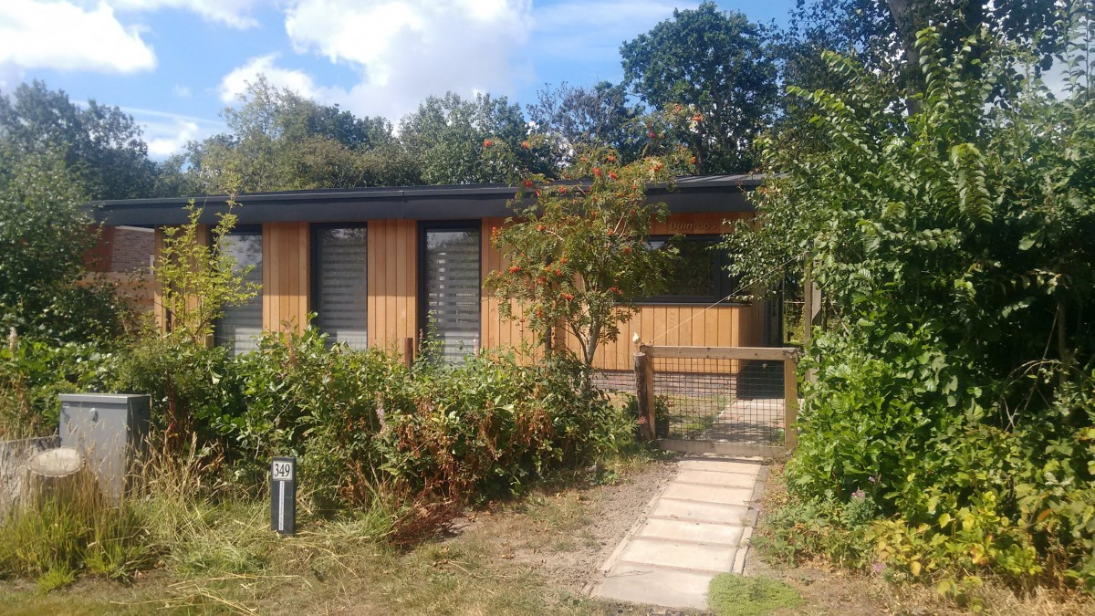 TEXEL Fraaie nieuwe bungalow op het oude mooie  plekje header afbeelding