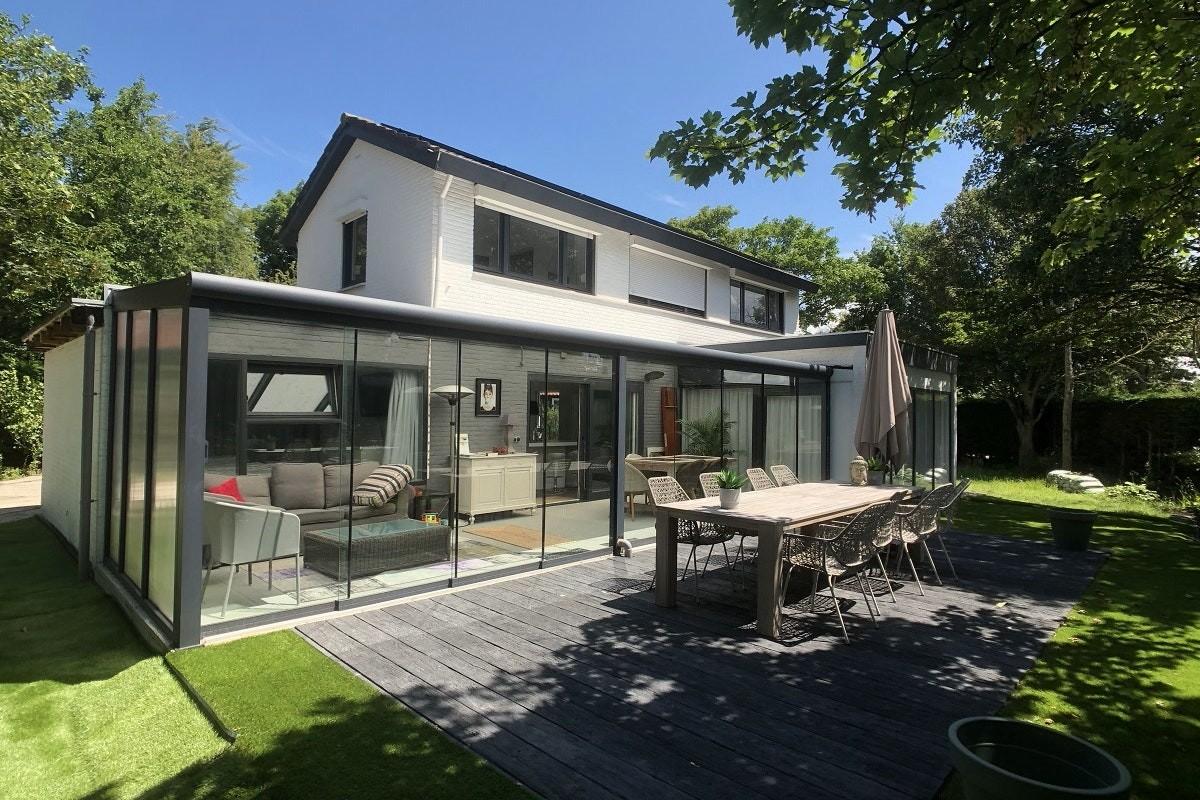 Te huur, vrijstaande, mooie en luxueuze villa in Zeeland in Cadzand-Bad, 2 – 7 personen. 5 minuten lopen van het strand. header afbeelding