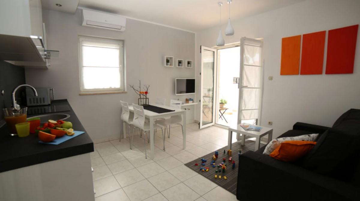 Appartement in Fažana voor 4 personen. 7 km vanaf Pula en 300 m. van zee header afbeelding