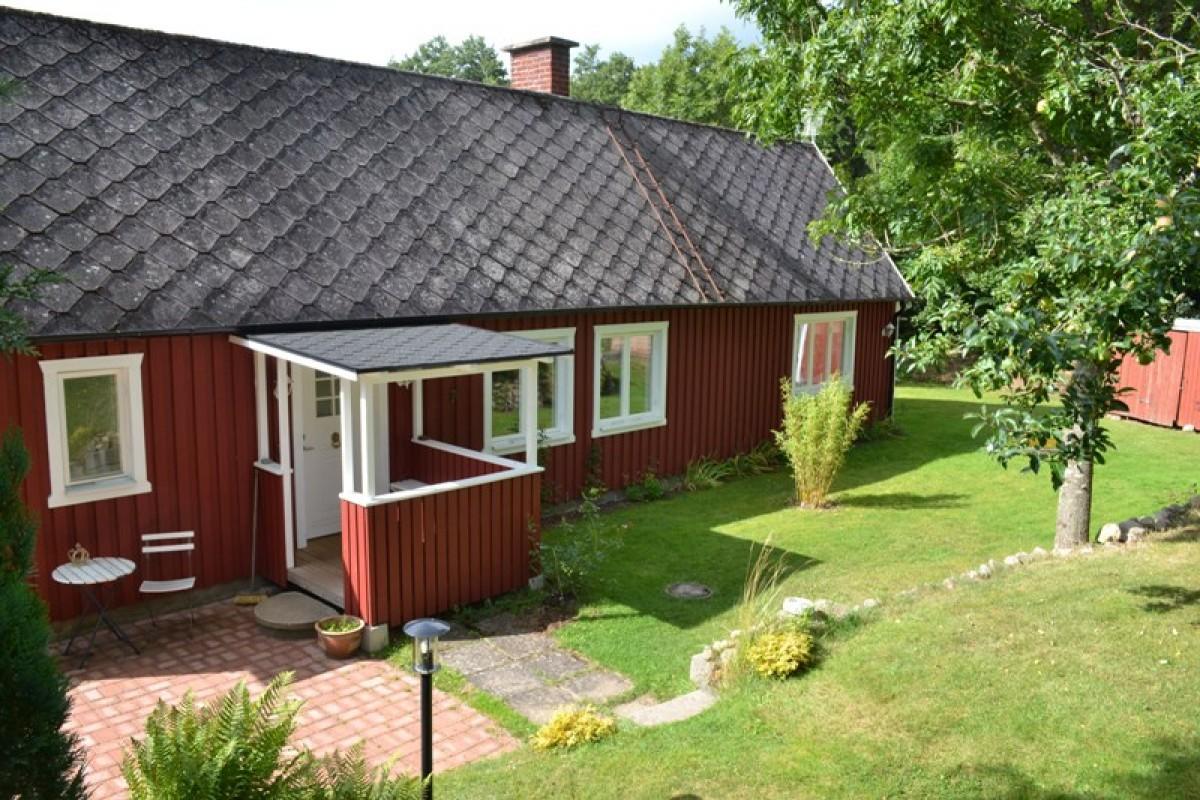 Zweedse stuga, ruim en comfortabele vakantiewoning! header afbeelding
