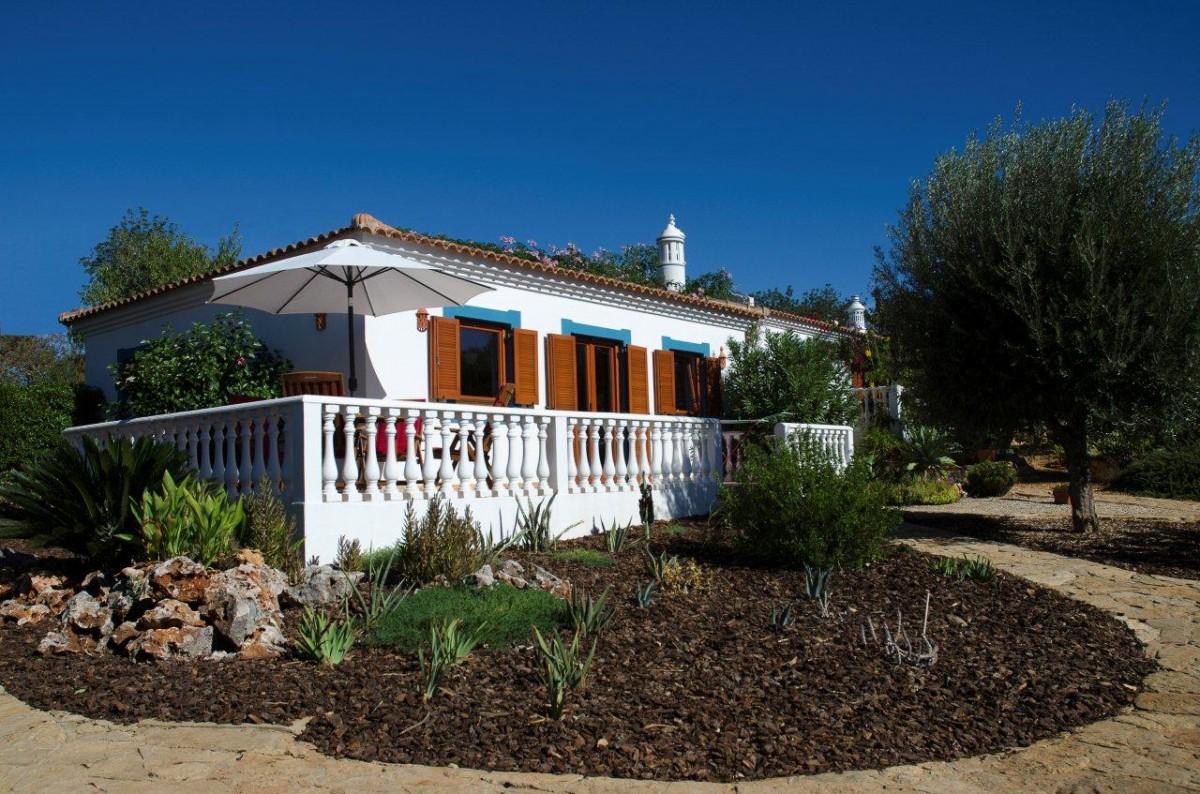 Vakantiehuisjes in oase van rust, Montinho da Luz, Moncarapacho, Oost-Algarve header afbeelding