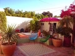 courtyard_relaxing_romantic_atmosphere_portugal.JPG