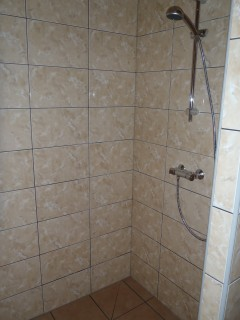 badkamer 4 (douche).jpg