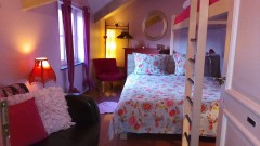 Cottage slaapkamer.jpg