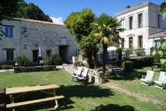 Domaine la Fontaine garden-2.JPG